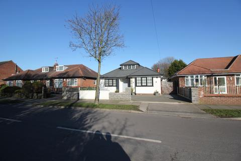 3 bedroom detached bungalow for sale - Marlborough Road Flixton