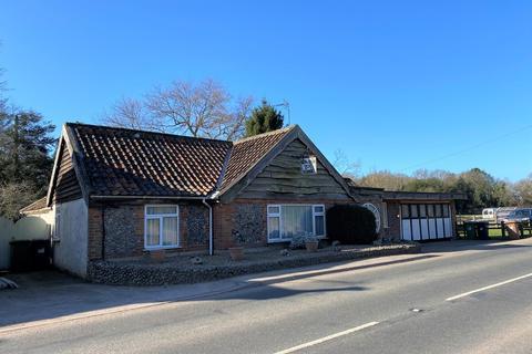 3 bedroom detached bungalow for sale - Chapel Road, Roughton