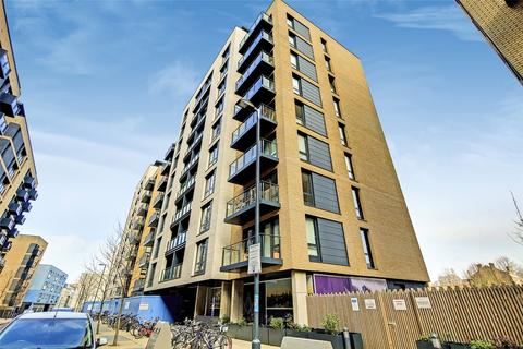 3 bedroom flat to rent - Palmers Road, London, E2