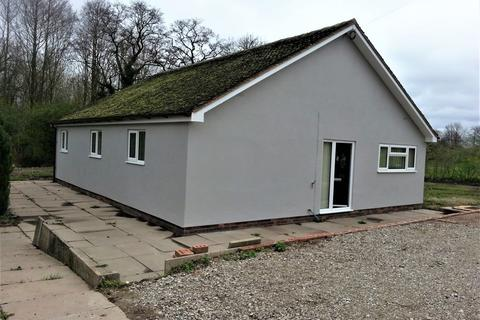 3 bedroom detached bungalow to rent - Lugtout Lane, Catherine De Barns, Solihull