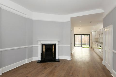 3 bedroom terraced house to rent - Maurice Avenue, London, N22
