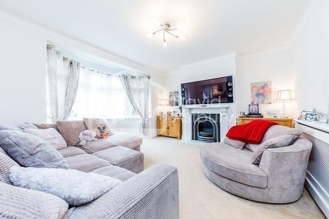 3 bedroom terraced house to rent - Blakesware Gardens, Bush Hill Park, London