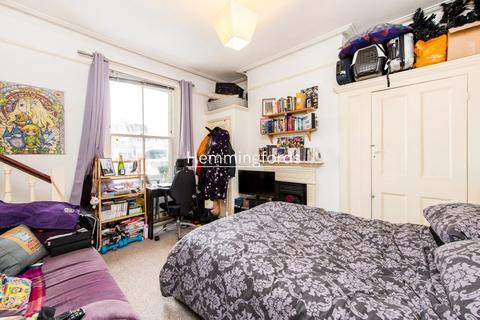 Studio to rent - Crouch Hill, London, N8
