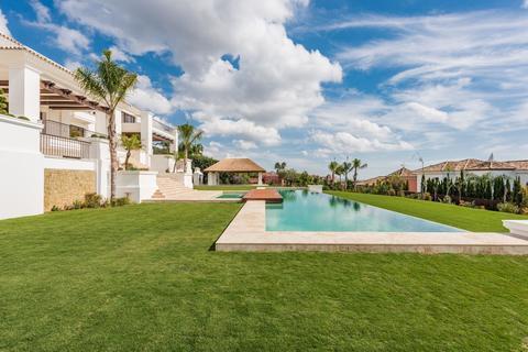 7 bedroom villa - Lugar Urbanizacion Lomas de Rio Verde