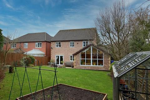 4 bedroom detached house for sale - Oaktree Road, Stoke-On-Trent