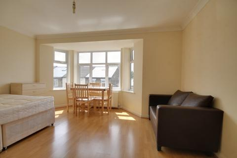 1 bedroom apartment to rent - Byron Road