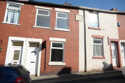 3 bedroom terraced house to rent - Walter Street, Huncoat, Accrington