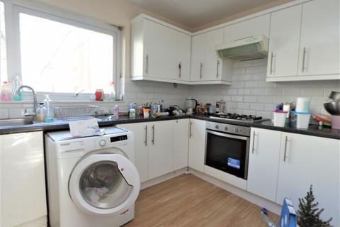 1 bedroom flat to rent - Hedge Lane, Palmers Green N13