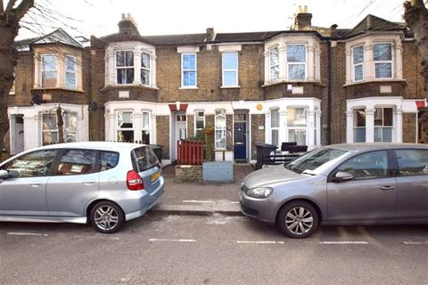 3 bedroom flat to rent - Francis Road, Leyton