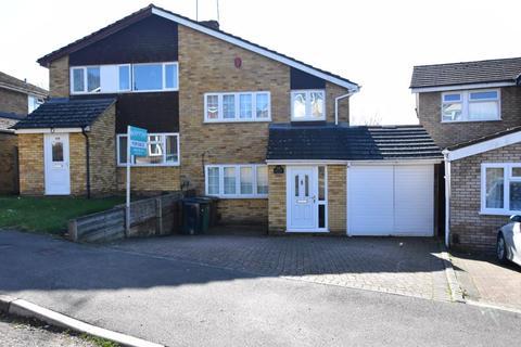 3 bedroom semi-detached house for sale - Ketton Close, Luton