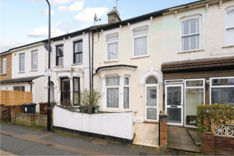 3 bedroom terraced house to rent - Erskine Road E17, Walthamstow