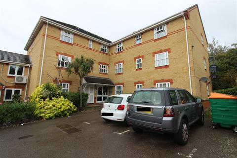 2 bedroom flat to rent - Founder Close, Beckton