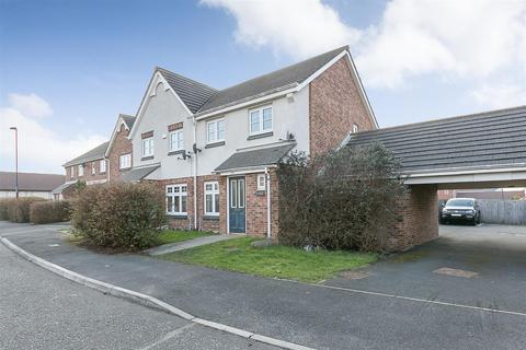 3 bedroom semi-detached house to rent - Chesters Avenue, Longbenton, Newcastle upon Tyne