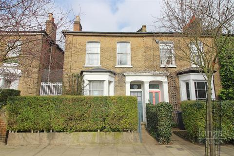 3 bedroom end of terrace house for sale - Gayhurst Road, London