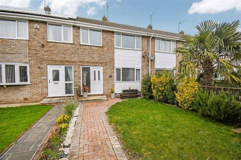 3 bedroom terraced house for sale - Newtondale, Sutton Park, Hull, HU7