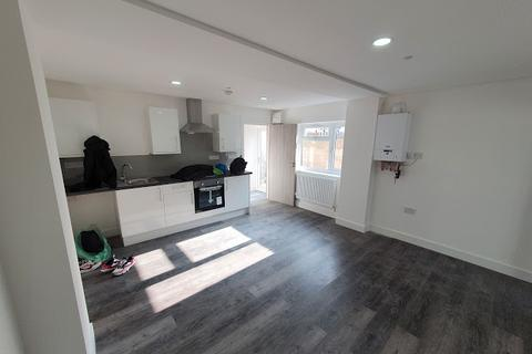 1 bedroom flat to rent - Flat 3, 3 Richards Street, Cathays, Cardiff, CF24