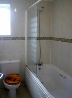 2 bedroom flat to rent - The Walk, Roath, Cardiff