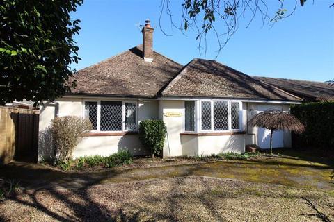 3 bedroom detached bungalow for sale - Cull Lane, New Milton, Hampshire