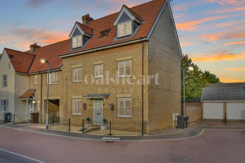 5 bedroom link detached house for sale - Osier Close, Stanway
