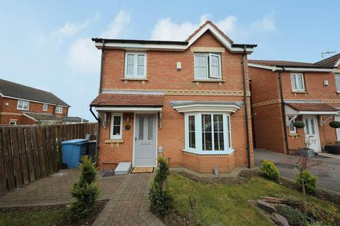 3 bedroom detached house for sale - Eildon Hills Close, Hull