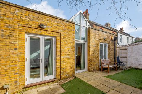 2 bedroom bungalow for sale - Blue Anchor Alley, Richmond, TW9.