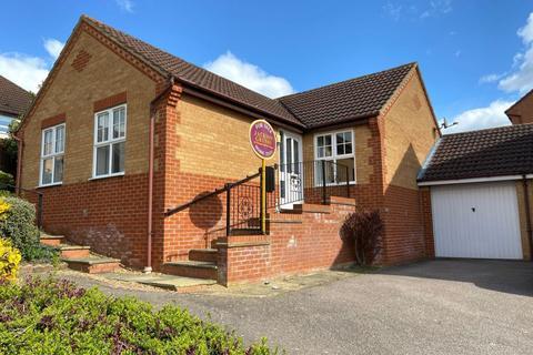 3 bedroom detached bungalow for sale - Campanula Close, Abington, Northampton NN3 3QG