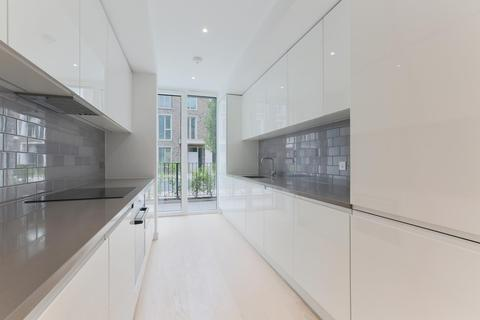 4 bedroom terraced house to rent - Starboard Way, Royal Wharf, London, E16