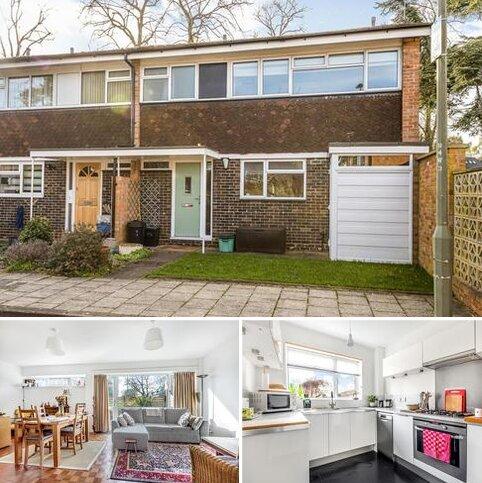 3 bedroom semi-detached house for sale - Wellsmoor Gardens, Bromley