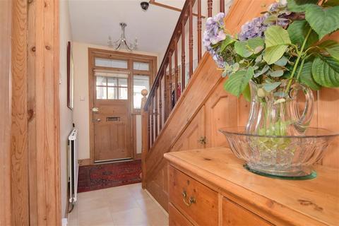 4 bedroom semi-detached house for sale - Southwood Avenue, Tunbridge Wells, Kent
