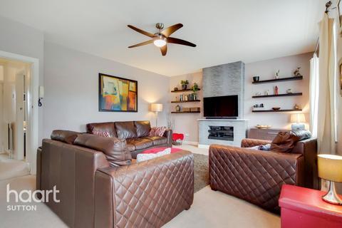 3 bedroom apartment for sale - Kingston Road, Epsom