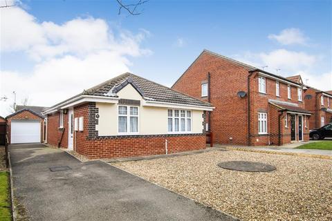 3 bedroom detached bungalow for sale - Longleat Avenue, Bridlington, YO16 6GE