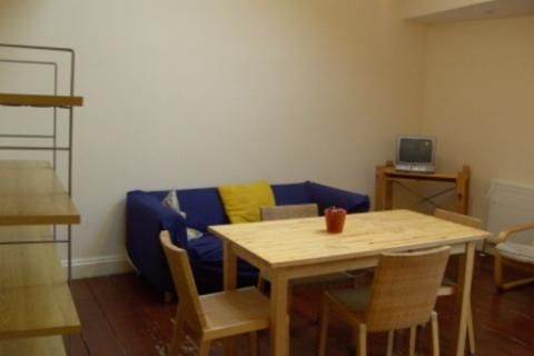 2 bedroom flat to rent - London NW6