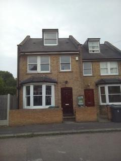 3 bedroom semi-detached house to rent - Finsbury Park, London N4