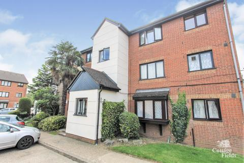 1 bedroom flat for sale - Plowman Close, Edmonton, N18 - Studio with Separate Sleeping Area