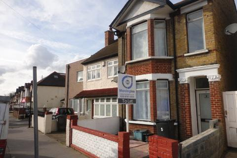 House share to rent - Whitehall Road, Thornton Heath, Surrey, CR7