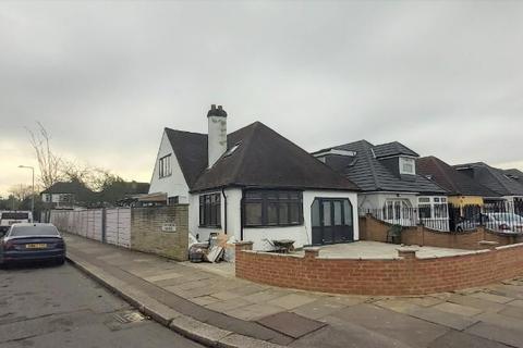 1 bedroom flat to rent - Ewellhurst Road, Ilford, Essex, IG5