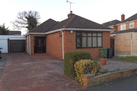 3 bedroom bungalow to rent - Glenesk Road, Great Sutton, Cheshire, CH66 4NG