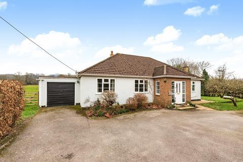 3 bedroom detached bungalow for sale - Storrington Road, Pulborough, West Sussex, RH20