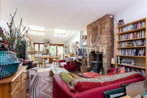 2 bedroom terraced house to rent - Morley Avenue, London, N22
