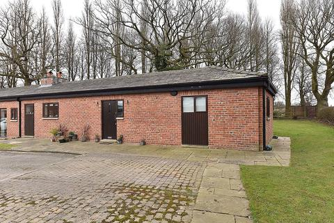 2 bedroom semi-detached house to rent - Over Tabley Hall Farm, Old Hall Lane