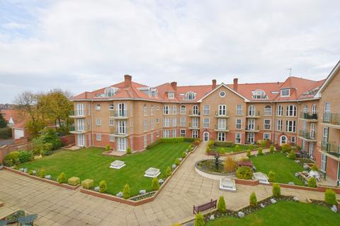 2 bedroom apartment for sale - Richmond Court Gardens , Cromer