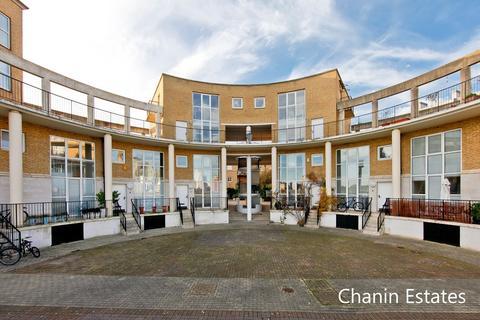 2 bedroom terraced house to rent - Princes Court, Surrey Quays, SE16