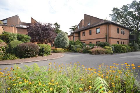 3 bedroom apartment for sale - Oakwood, Bournemouth