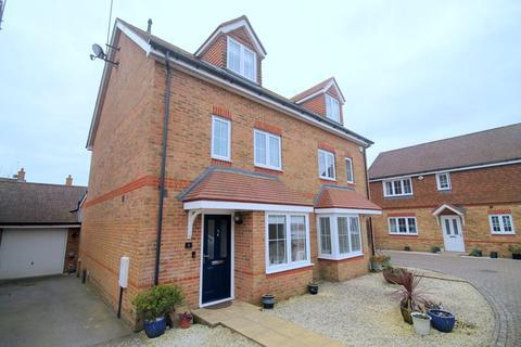 4 bedroom semi-detached house for sale - Elm Tree Close, Hassocks