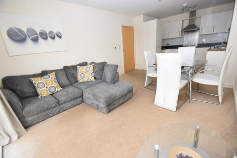 2 bedroom flat to rent - Overstone Court, Butetown, Cardiff
