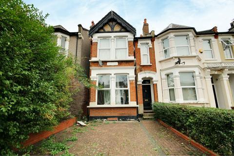 2 bedroom flat to rent - Queens Road, Leyton