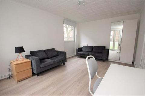 3 bedroom flat to rent - Gales Gardens, London E2
