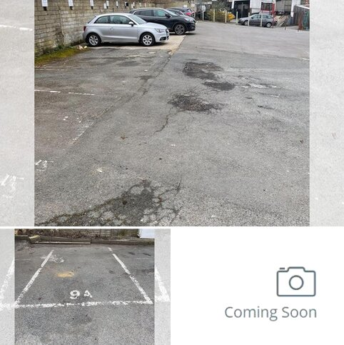 Property to rent - Parking Space In Town Centre