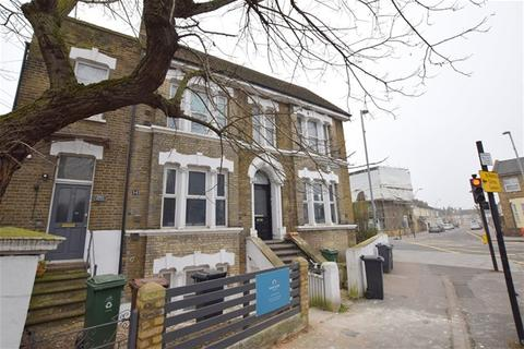 1 bedroom flat to rent - High Road, Leyton, London