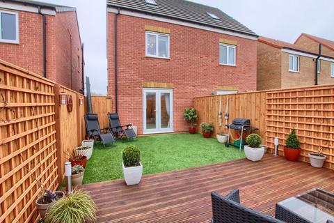3 bedroom semi-detached house for sale - Bancroft Drive, Ingleby Barwick